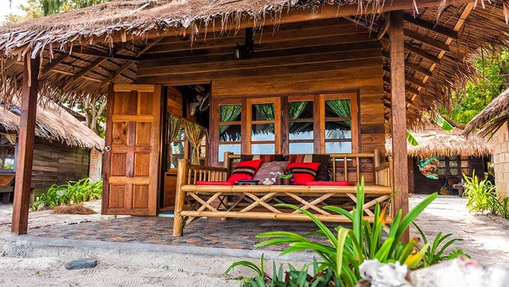 Lipe Beach Resort: bungalow dall'esterno