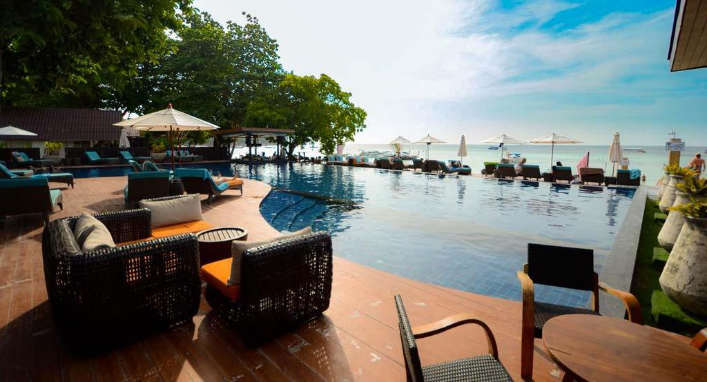 Piscina Akira Lipe Resort